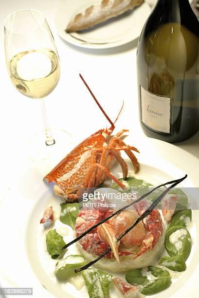 Champagne For New Year'S Eve Bouteille de champagne de Pommery Cuvée Louise 1995 s'accordant avec un homard vanillé Accords selon Alain SENDERENS sur...