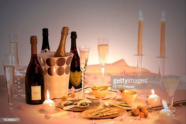Champagne For New Year'S Eve Table de réveillon amusebouches Lucas Carton accompagnés d'un Pommery cuvée Louise 1995 et d'un Moët et Chandon Dom...