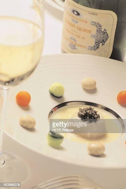 Champagne For New Year'S Eve Une bouteille de champagne BillecartSalmon 1989 blanc de blancs s'accordant avec la nage de SaintJacques Accords selon...