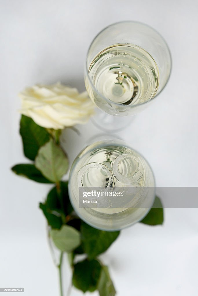 Champagne Glasses and Wedding Rings from Ice : Stock Photo