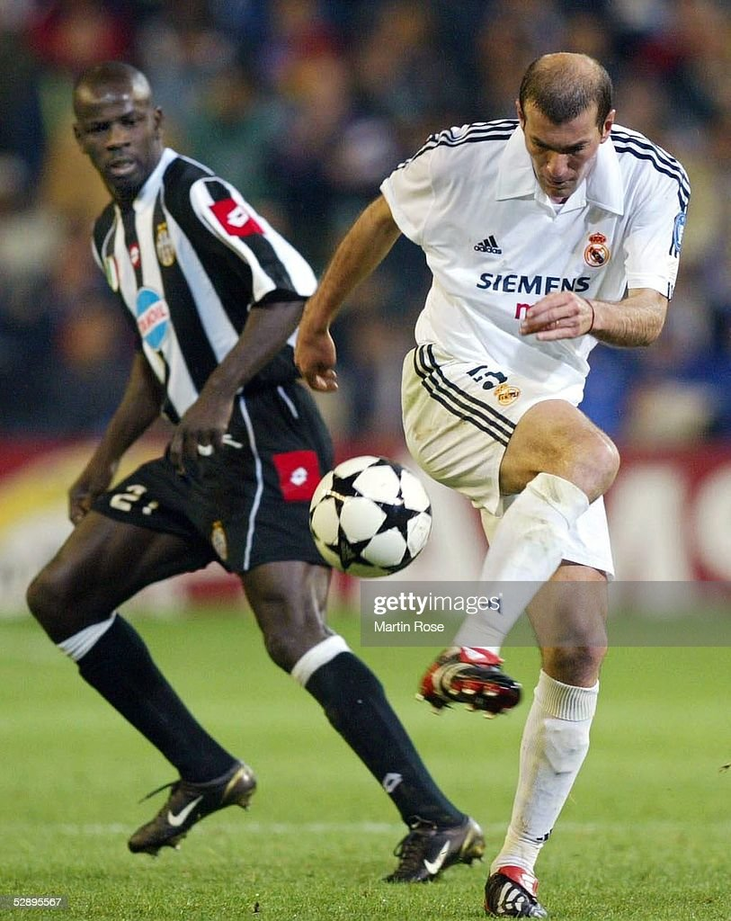 Fussball CL 02 03 Real Madrid Juventus Turin