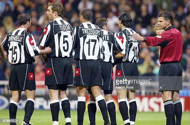 Champions League 02/03 Madrid Real Madrid Juventus Turin 21 Mauer Alessandro BIRINDELLI Igor TUDOR David TREZEGUET Antonio CONTE Gianluca...