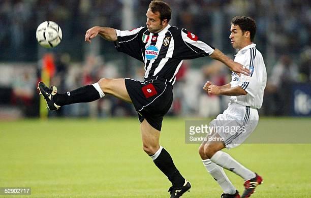 Champions League 02/03 Turin Juventus Turin Real Madrid 31 Alessandro BIRINDELLI/Juventus RAUL/Madrid