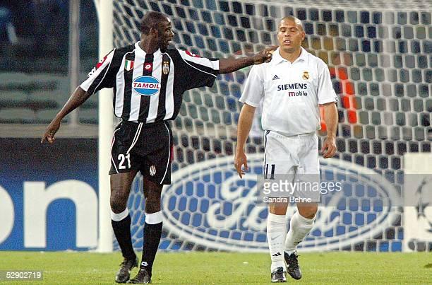 Champions League 02/03 Turin Juventus Turin Real Madrid 31 Lilian THURAM/Juventus RONALDO/Madrid
