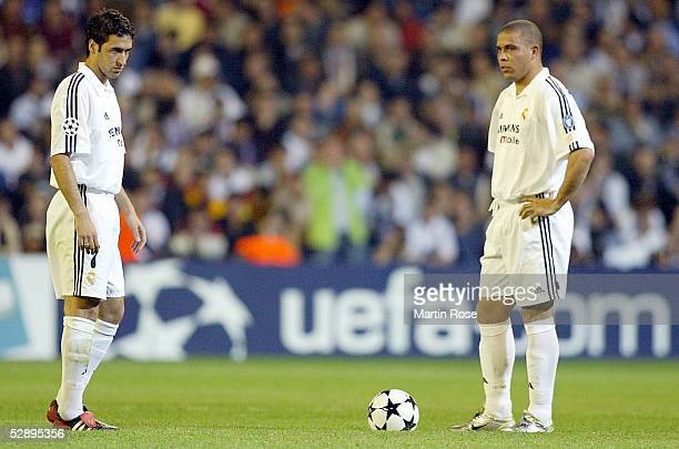 Champions League 02/03 Viertelfinale Madrid Real Madrid Manchester United 31 RAUL RONALDO/Madrid