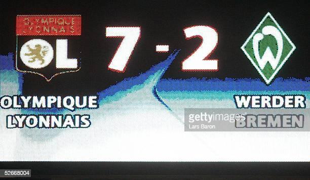 Champions League 04/05 Lyon 080305 Olympique Lyon SV Werder Bremen Endergebnis auf der Anzeigentafel