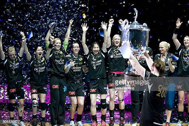 Champions League Final Viborg winning Champions League Henriette Rønde Mikkelsen Viborg HK with the trophy © Jan Christensen / Frontzonesportdk