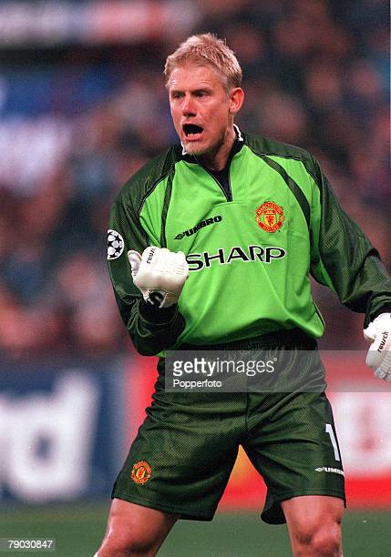 Champions League QuarterFinal Second Leg San Siro Stadium 17th March Inter Milan 1 v Manchester United 1 Manchester United's goalkeeper Peter...