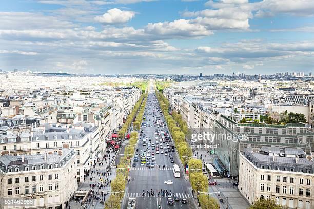 Avenida Avenida Champs-Élysées, visto desde el extremo de Arco del triunfo
