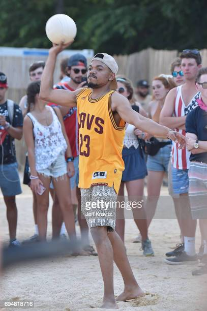 Chance The Rapper plays volleyball with festivalgoers during Day 3 of the 2017 Bonnaroo Arts And Music Festival on June 10 2017 in Manchester...