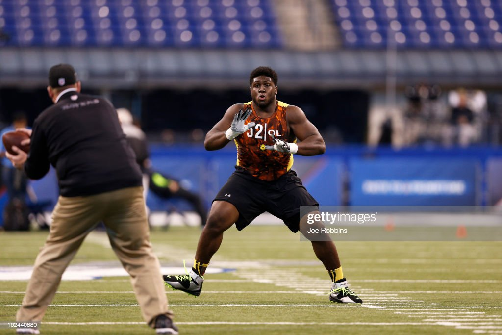 Chance Warmack of Alabama participates in an offensive line drill during the 2013 NFL Combine at Lucas Oil Stadium on February 23, 2013 in Indianapolis, Indiana.