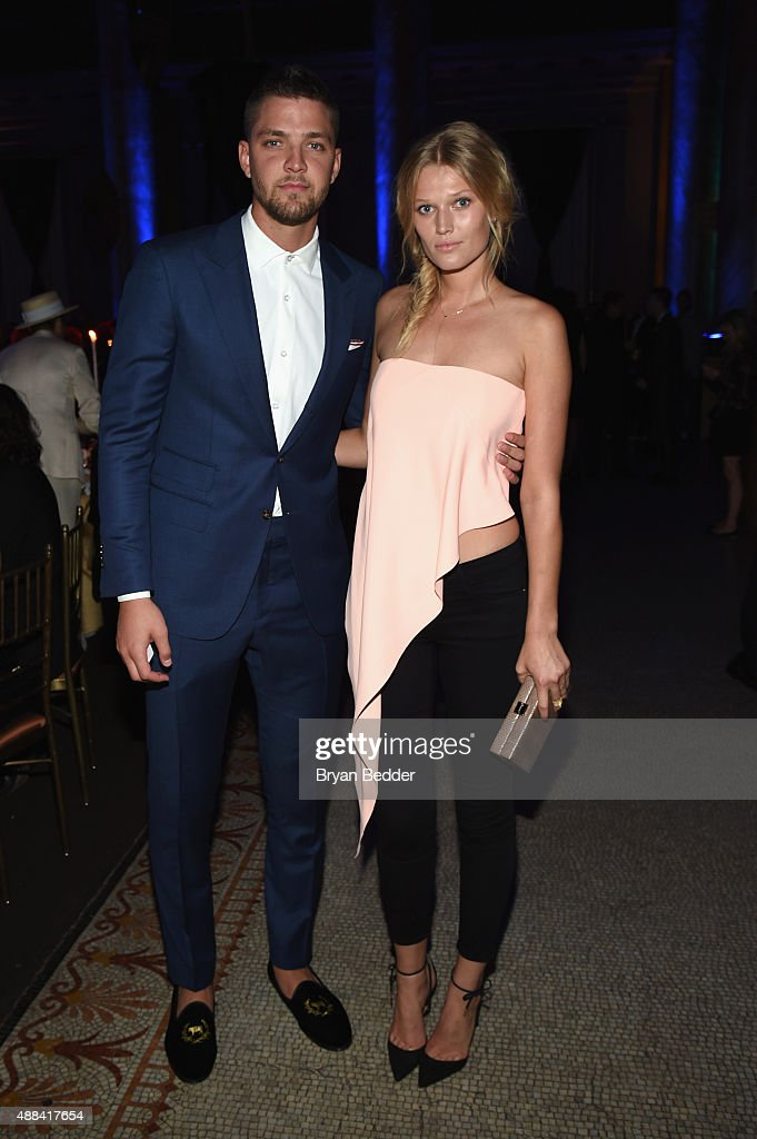 <a gi-track='captionPersonalityLinkClicked' href=/galleries/search?phrase=Chandler+Parsons&family=editorial&specificpeople=4249869 ng-click='$event.stopPropagation()'>Chandler Parsons</a> and <a gi-track='captionPersonalityLinkClicked' href=/galleries/search?phrase=Toni+Garrn&family=editorial&specificpeople=4425236 ng-click='$event.stopPropagation()'>Toni Garrn</a> attend the Unitas gala against Sex Trafficking at Capitale on September 15, 2015 in New York City.