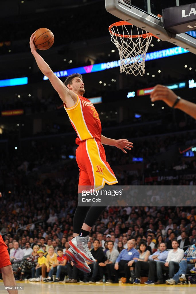 <a gi-track='captionPersonalityLinkClicked' href=/galleries/search?phrase=Chandler+Parsons&family=editorial&specificpeople=4249869 ng-click='$event.stopPropagation()'>Chandler Parsons</a> #25 of the Houston Rockets dunks the ball against the Los Angeles Lakers at Staples Center on April 17, 2013 in Los Angeles, California.