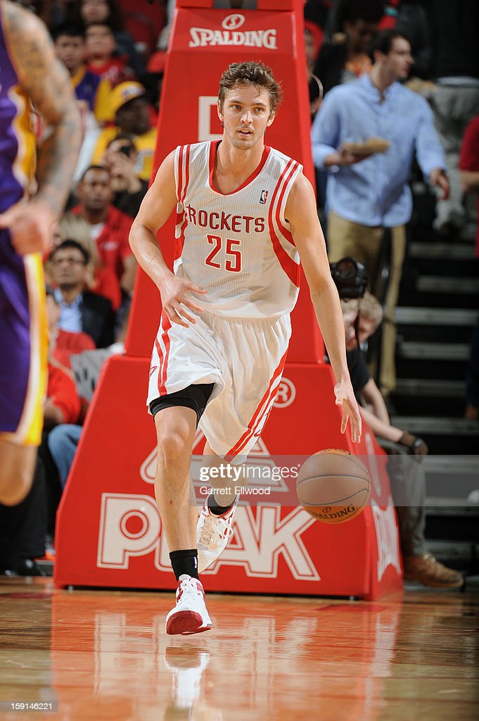 Chandler Parsons #25 of the Houston Rockets handles the ball up-court against the Los Angeles Lakers on January 8, 2013 at the Toyota Center in Houston, Texas.