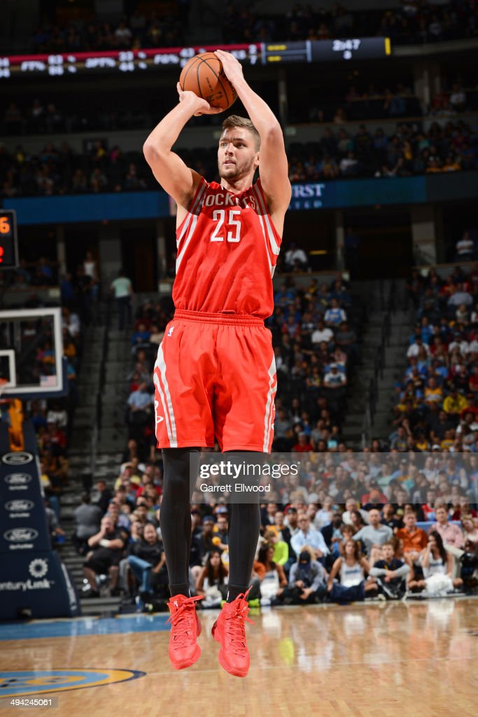 Chandler Parsons #25 of the Houston Rockets shoots against the Denver Nuggets on April 9, 2014 at the Pepsi Center in Denver, Colorado.