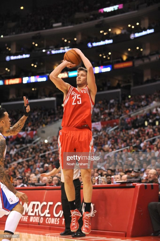 <a gi-track='captionPersonalityLinkClicked' href=/galleries/search?phrase=Chandler+Parsons&family=editorial&specificpeople=4249869 ng-click='$event.stopPropagation()'>Chandler Parsons</a> #25 of the Houston Rockets shoots the ball during the game between the Los Angeles Clippers and the Houston Rockets at Staples Center on February 13, 2013 in Los Angeles, California.