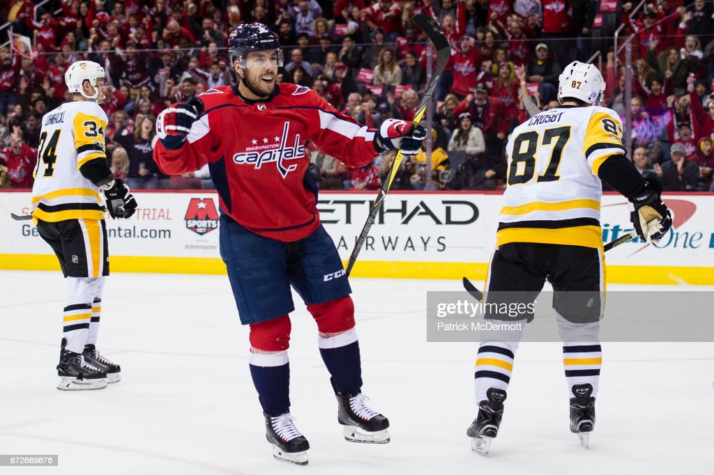 Chandler Stephenson #18 of the Washington Capitals celebrates after scoring a third period goal against the Pittsburgh Penguins at Capital One Arena on November 10, 2017 in Washington, DC.