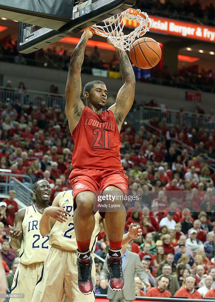 Chane Behanan #24 of the Louisville Cardinals dunks the ball during the game against the Notre Dame Fighting Irish at KFC YUM! Center on March 9, 2013 in Louisville, Kentucky.