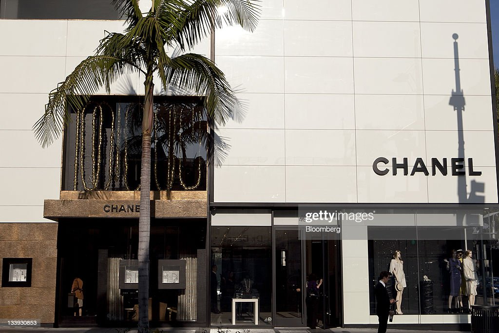 A Chanel store stands on Rodeo Drive in Beverly Hills, California, U.S., on Thursday, Nov. 17, 2011. U.S. retail sales growth will slow to 2.8 percent during the holiday season this year, restrained by decelerating job growth, a weak housing market and a volatile stock market, the National Retail Federation said. Photographer: Andrew Harrer/Bloomberg via Getty Images