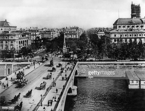 Change bridge and Chatelet square in Paris with on l Chatelet theatre and on r SarahBernhardt theatre