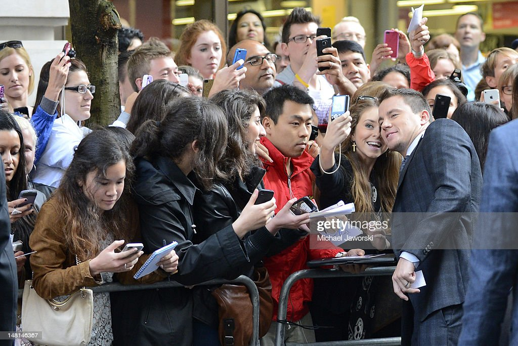<a gi-track='captionPersonalityLinkClicked' href=/galleries/search?phrase=Channing+Tatum&family=editorial&specificpeople=549548 ng-click='$event.stopPropagation()'>Channing Tatum</a> poses with fans outside the Mayfair Hotel ahead of the European Premiere of Magic Mike on July 10, 2012 in London, England.
