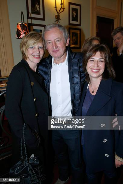 Chantal Ladesou Yann Queffelec and his wife Servanne attend 'La Recompense' Theater Play at Theatre Edouard VII on April 24 2017 in Paris France