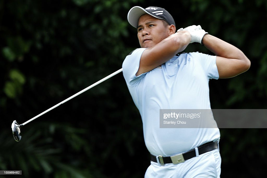 <a gi-track='captionPersonalityLinkClicked' href=/galleries/search?phrase=Chapchai+Nirat&family=editorial&specificpeople=812742 ng-click='$event.stopPropagation()'>Chapchai Nirat</a> of Thailand plays on the 3rd hole during the 3rd round of the Barclays Singapore Open at the Sentosa Golf Club on November 10, 2012 in Singapore.