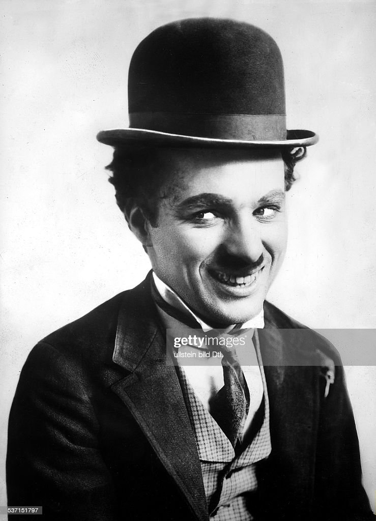 Chaplin, Charlie - Actor, film director, Great Britain - (*16.04.1889-+) with his characteristic make-up - undated (probably 1940ies) - Vintage property of ullstein bild