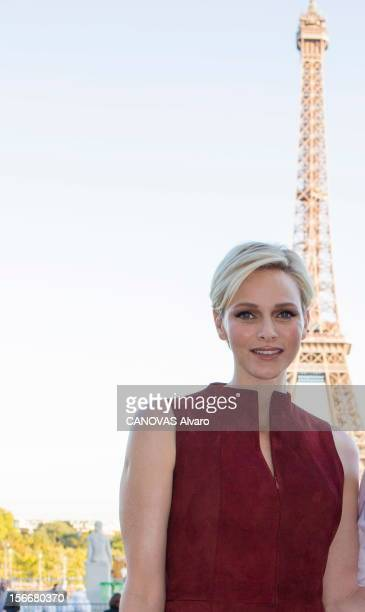 Charlene Wittstock In Paris For Fashion Week Paris France dimanche 30 septembre 2012 la princesse de Monaco Charlene WITTSTOCK assiste au défilé de...