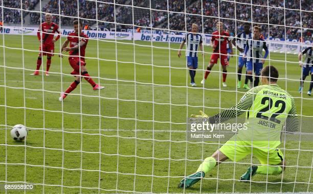 Charles Aranguiz of Leverkusen scores the sixt goal after penalty during the Bundesliga match between Hertha BSC and Bayer 04 Leverkusen at...