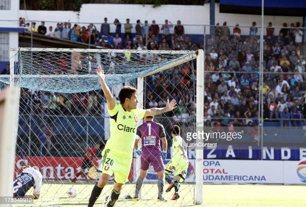 Charles Aránguiz of Universidad de Chile celebrates a scored goal during a match between Universidad de Chile and Independiente JT as part of the...