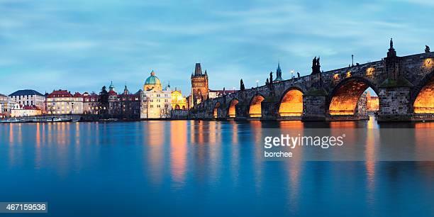 Panorama du pont Charles à Prague