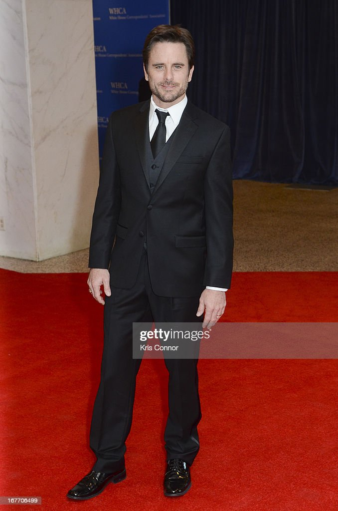 Charles Esten poses on the red carpet during the White House Correspondents' Association Dinner at the Washington Hilton on April 27, 2013 in Washington, DC.