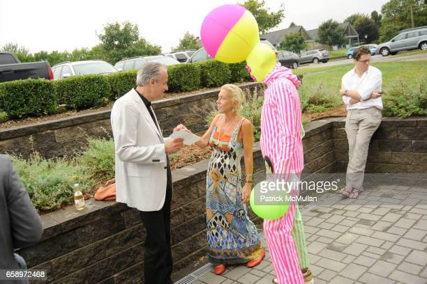 Charles Fabius Lisa de Kooning and Andrey Bartenev attend THE WATERMILL CONCERT 2009 'Last Song of Summer' at Filed House of Ross School on August 29...