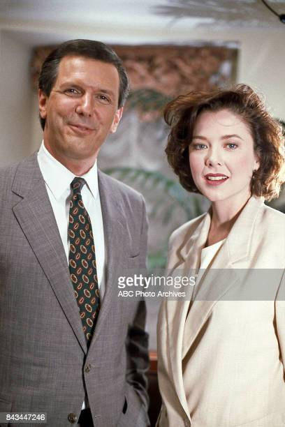 Charles Gibson Annette Bening on 'Good Morning America'