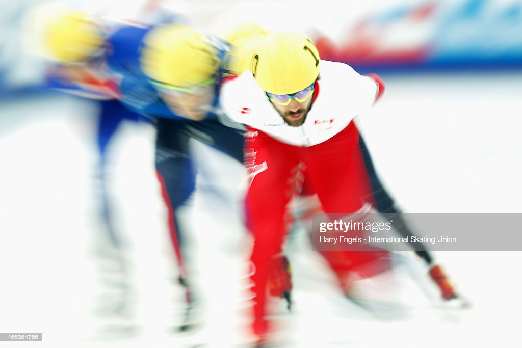 <a gi-track='captionPersonalityLinkClicked' href=/galleries/search?phrase=Charles+Hamelin&family=editorial&specificpeople=820316 ng-click='$event.stopPropagation()'>Charles Hamelin</a> of Canada leads the field during the Men's 1000m Quarterfinals on day three of the ISU World Short Track Speed Skating Championships at the Krylatskoe Speed Skating Centre on March 15, 2015 in Moscow, Russia.