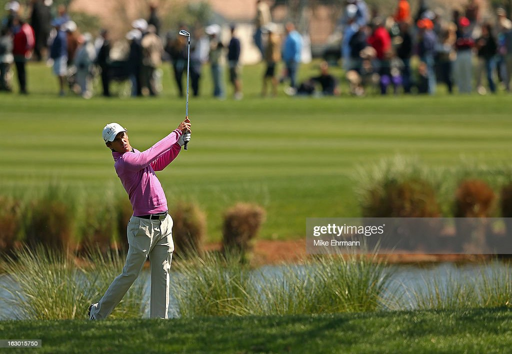Charles Howell III hits hisapproach shot on the first hole during the final round of the Honda Classic at PGA National Resort and Spa on March 3, 2013 in Palm Beach Gardens, Florida.