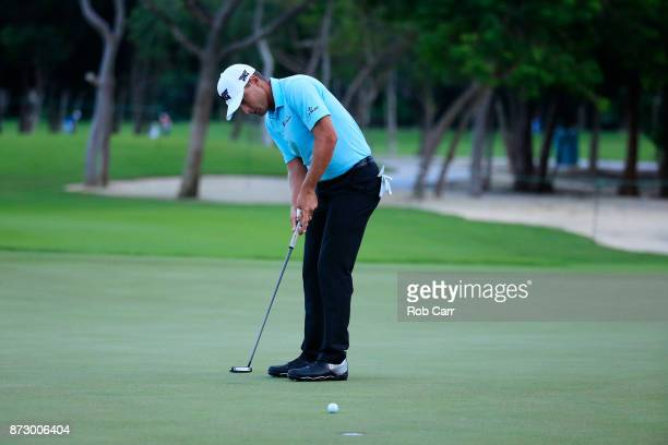 Charles Howell III of the United States putts on the sixth green during the third round of the OHL Classic at Mayakoba on November 11 2017 in Playa...