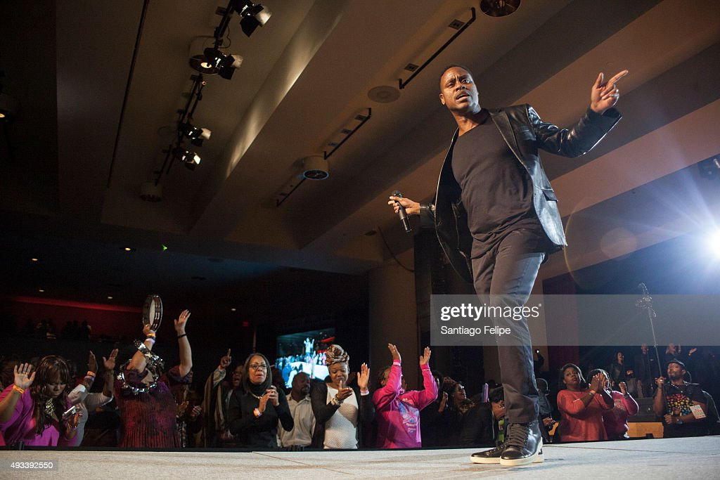 Charles Jenkins performs onstage during the 2015 Circle Of Sisters' Gospel Explosion Concert at Jacob Javitz Center on October 18 2015 in New York...