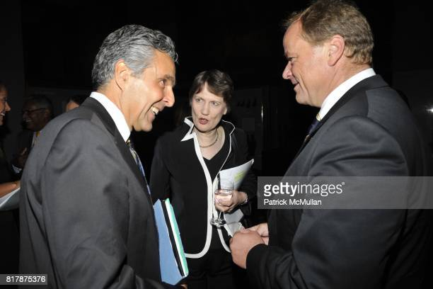 Charles McNeil Helen Clark and Dirk Niebel attend UNDP Equator Prize 2010 at The American Museum of Natural History on September 20 2010 in New York...