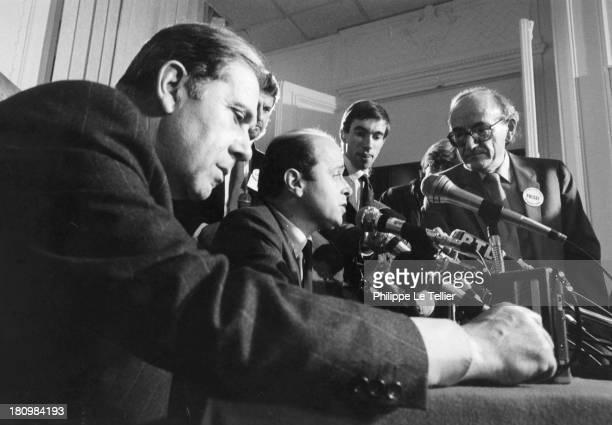 Charles Pasqua Jacques Toubon at election time RPR press conference France Charles Pasqua Jacques Toubon aux moment des élections au RPR en 1986...