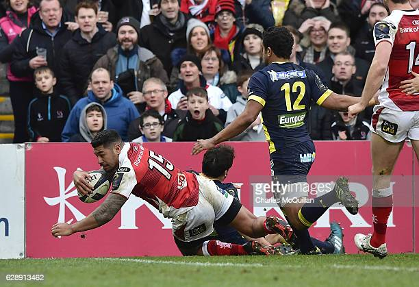 Charles Piutau of Ulster scores a try during the European Champions Cup game between Ulster and ASM Clermont Auvergne on December 10 2016 in Belfast...