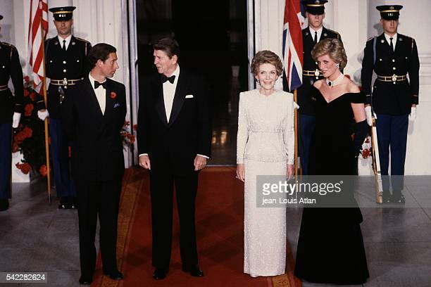 ¿Cuánto mide Ronald Reagan? - Altura - Real height Charles-prince-of-wales-and-his-wife-lady-diana-princess-of-wales-are-picture-id542282624?s=612x612