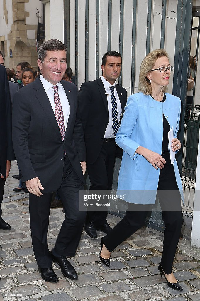 <a gi-track='captionPersonalityLinkClicked' href=/galleries/search?phrase=Charles+Rivkin&family=editorial&specificpeople=4891546 ng-click='$event.stopPropagation()'>Charles Rivkin</a> and wife attend the Giambattista Valli show as part of the Paris Fashion Week Womenswear Spring/Summer 2014 on September 30, 2013 in Paris, France.