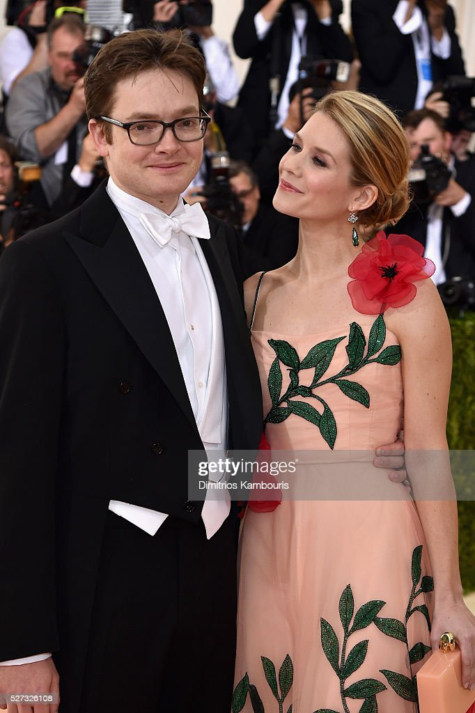Charles Shaffer (L) and Elizabeth Cordry attend the 'Manus x Machina: Fashion In An Age Of Technology' Costume Institute Gala at Metropolitan Museum of Art on May 2, 2016 in New York City.