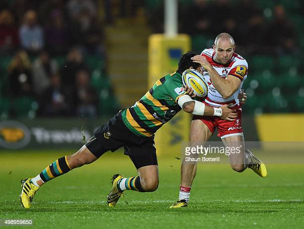 Charles Sharples of Gloucester Rugby breaks with the ball during the Aviva Premiership match between Northampton Saints and Gloucester Rugby at...