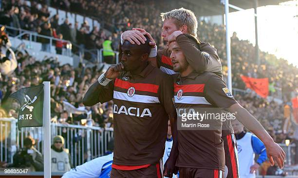 Charles Takyi of St Pauli celebrates after scoring his team's 3rd goal during the Second Bundesliga match between FC St Pauli and TuS Koblenz at the...