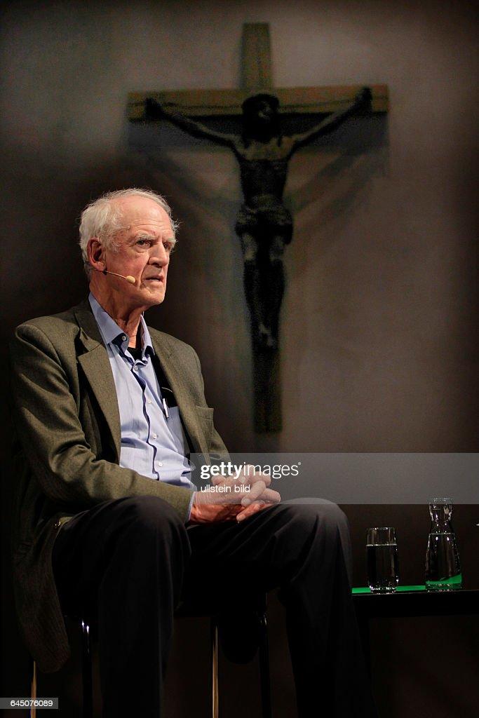 <a gi-track='captionPersonalityLinkClicked' href=/galleries/search?phrase=Charles+Taylor&family=editorial&specificpeople=240314 ng-click='$event.stopPropagation()'>Charles Taylor</a> (* 5. November 1931 in Montreal, kanadischer Politikwissenschaftler und Philosoph) und Dr. Wolfram Eilenberger (Chefredakteur des Philosophie Magazin) sprechen über die Frage 'Kann man heute noch religiös sein?' und die Zukunft des Glaubens in unserem säkularen Zeitalter bei der dritten phil.COLOGNE.Kunststation Sankt Peter Köln