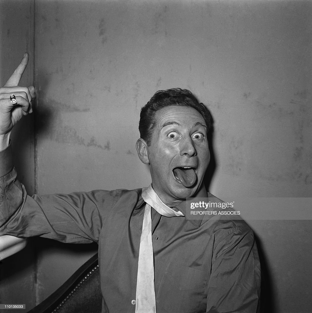<a gi-track='captionPersonalityLinkClicked' href=/galleries/search?phrase=Charles+Trenet&family=editorial&specificpeople=220282 ng-click='$event.stopPropagation()'>Charles Trenet</a> in 1950's.