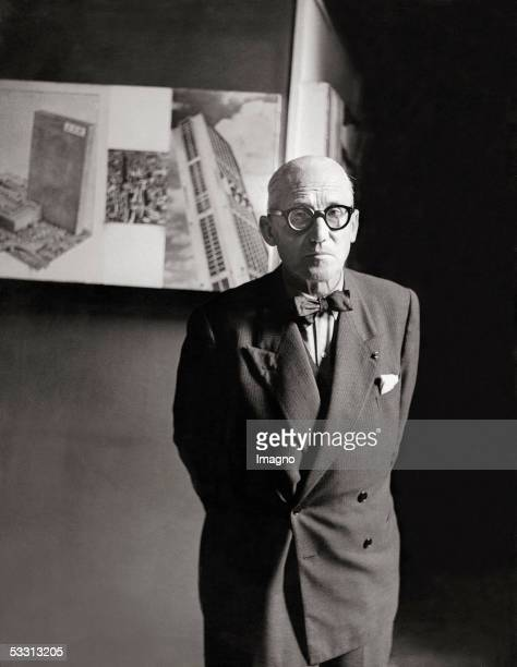 Charlesdouard Jeanneret better known as Le Corbusier in his atelier Photography 1955 [Charlesdouard Jeanneret besser bekannt als Le Corbusier in...